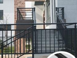 楼梯铁艺扶手